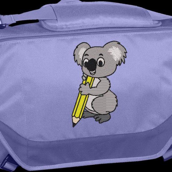 Motif de broderie machine d'un koala avec un crayon jaune