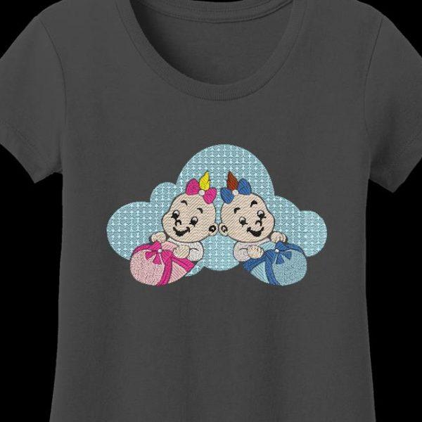 Motif de broderie machine adorables bébés ,qui représente deux bébés trop mignons allongés sur un nuage